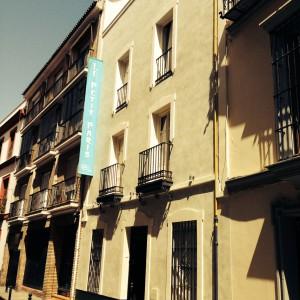 Hostales económicos en Sevilla con Hostal Le Petit Paris
